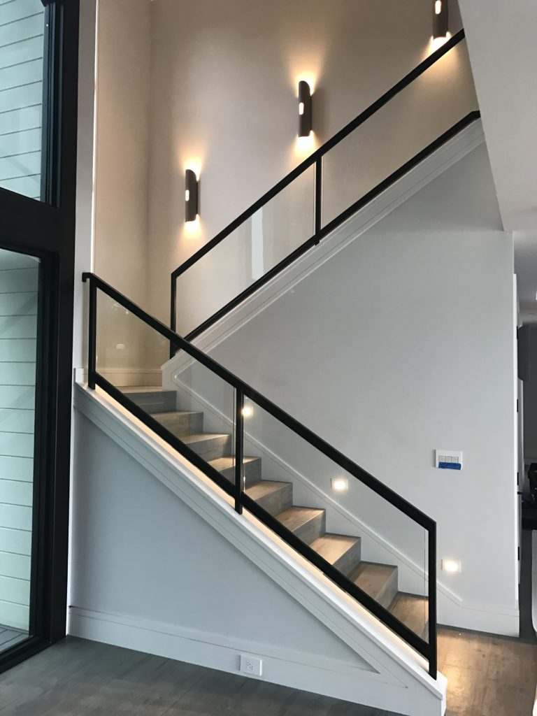 Interior glass stair railing ot glass - Interior stair railing contractors ...