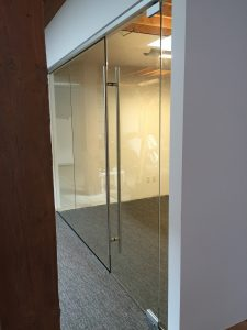 """1/2"""" Clear Tempered Glass Conference Room with a 72"""" Ladder Pull"""