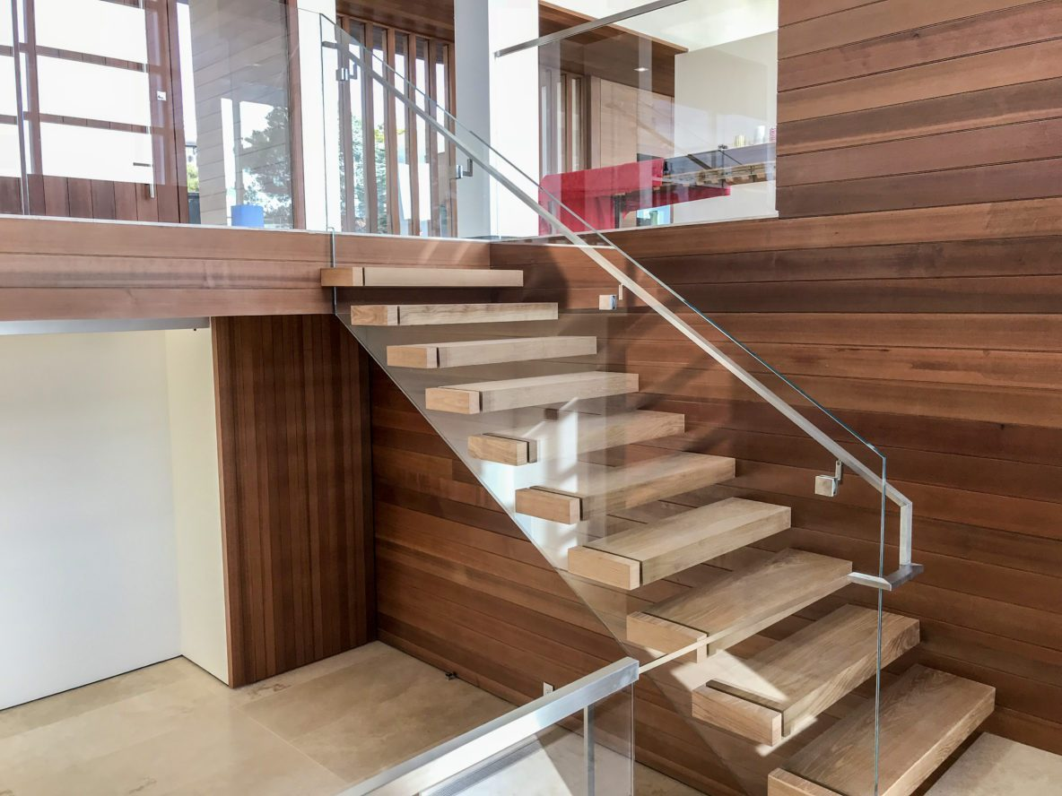 Glass staircase railing • OT Glass